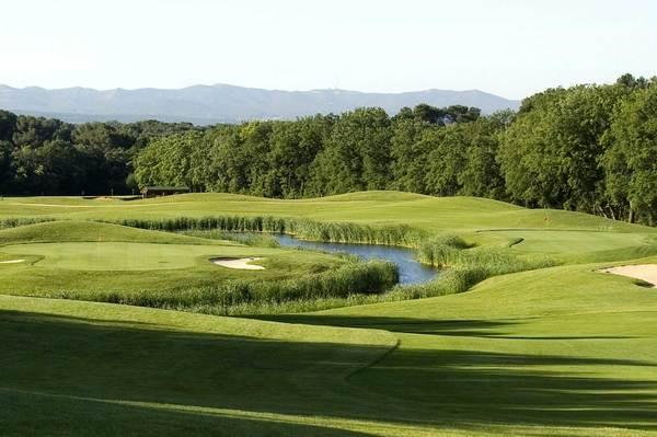 golfy 1er r seau de golfs en france espagne et belgique vos green fees 30 avec la e. Black Bedroom Furniture Sets. Home Design Ideas
